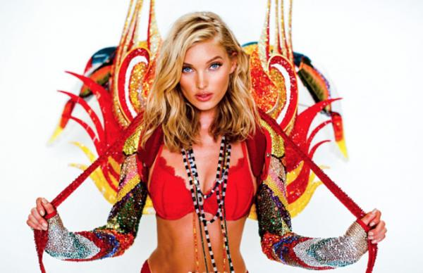 Nhan sắc nóng bỏng của thiên thần diện chiếc bra gắn nhiều pha lê nhất Victorias Secret 2017-2