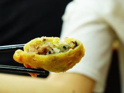 Quán bánh gối Lý Quốc Sư 'nhỏ mà có võ', không thể bỏ lỡ trong chiều đông Hà Nội