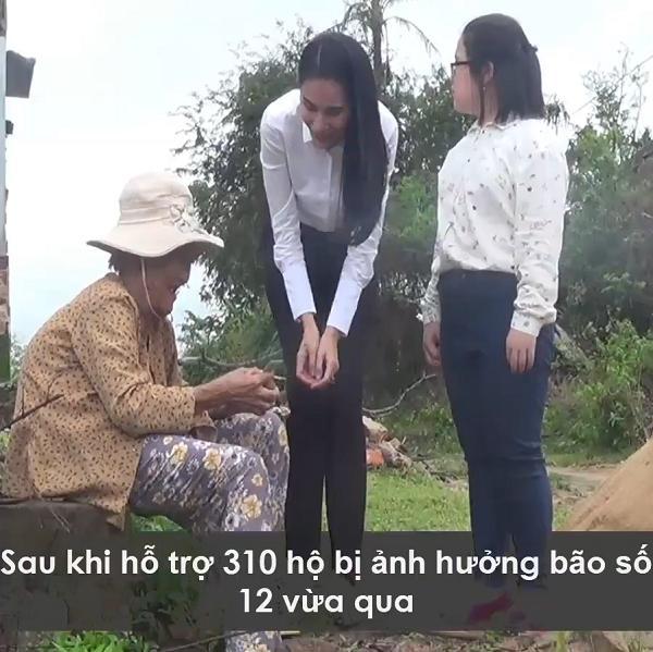 Clip: Thủy Tiên trao tặng 42 triệu đồng cho người mẹ nuôi con tâm thần gây xúc động-5