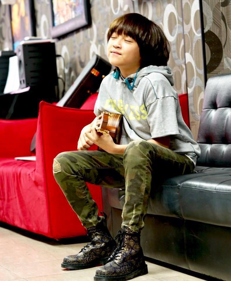 Cậu bé đáng yêu như thiên thần trong MV Đã lỡ yêu em nhiều của JustaTee là ai?-9