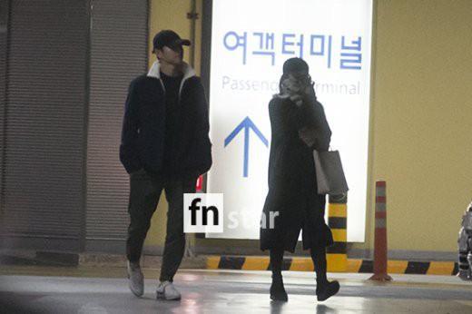 Clip: Song Joong Ki và Song Hye Kyo về nước sau tuần trăng mật, nhưng sao xa cách thế này?-5