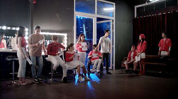 'Glee': Hữu Vi chính thức tỏ tình với Angela Phương Trinh-6
