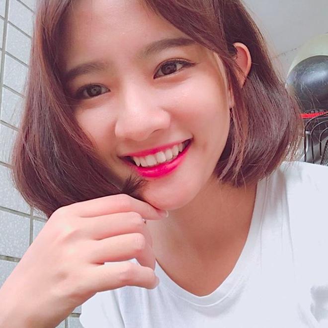 4 cô nàng xinh đẹp bỗng chốc nổi tiếng sau khi xuất hiện trong các MV hit-3