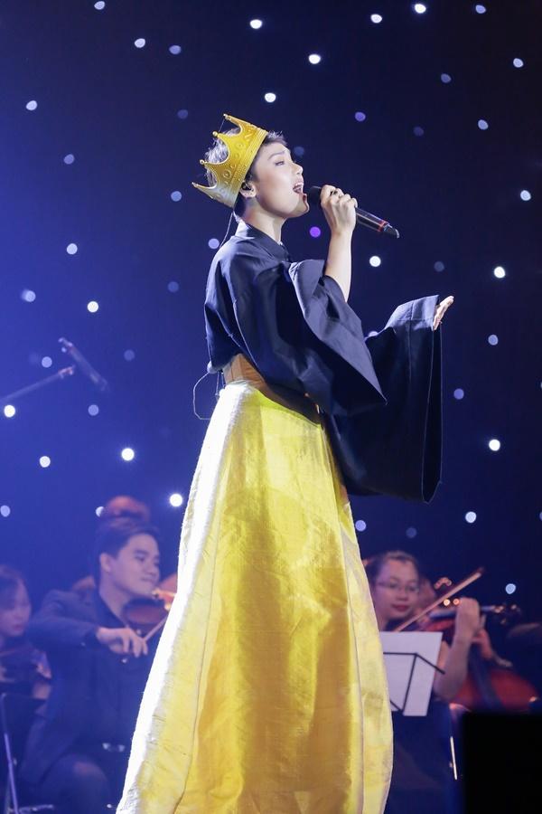 Miu Lê xắn tay áo phản pháo nhà sản xuất quá ác khi liên tục chê cô hát dở-2