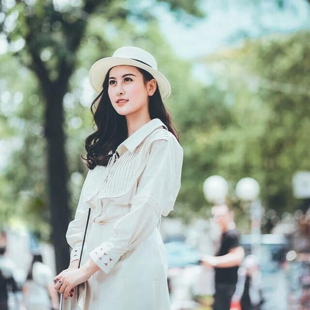Hot girl - hot boy Việt 18/11: Minh Châu say sưa song ca cùng gái xinh trong ô tô-3