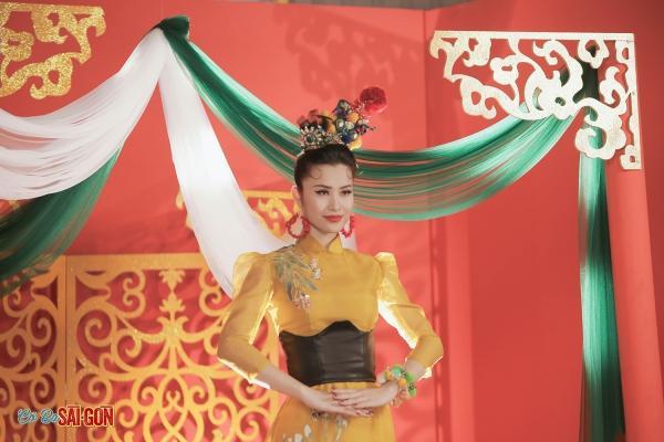 Lan Ngọc, S.T nhảy tưng bừng cùng truyền nhân đời thứ 20 của Cô Ba Sài Gòn-1