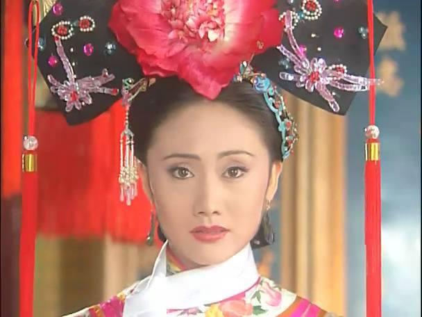Nữ diễn viên từng phá thai để được đóng Hoàn Châu cách cách bây giờ ra sao?-1