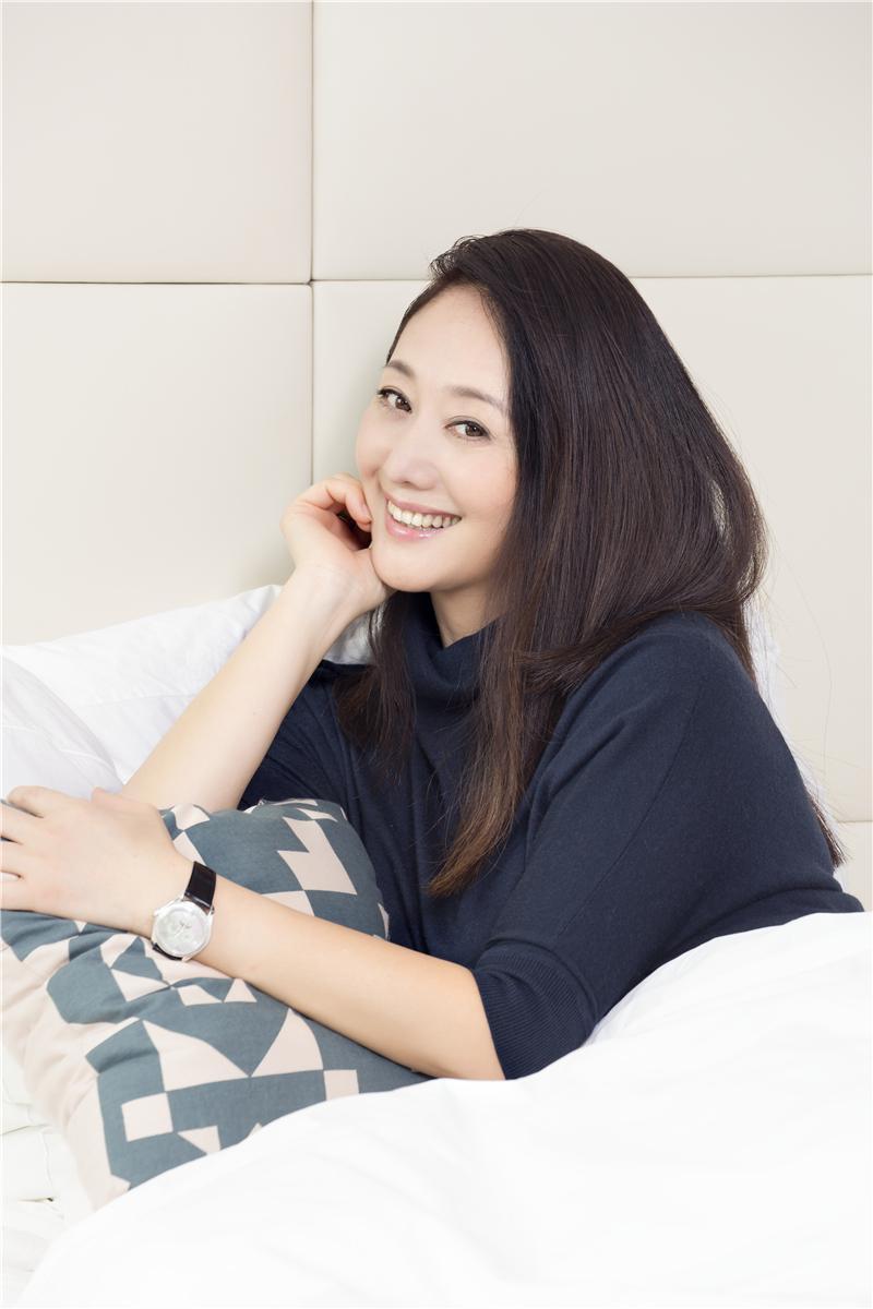 Nữ diễn viên từng phá thai để được đóng Hoàn Châu cách cách bây giờ ra sao?-7