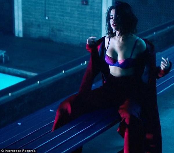 Selena Gomez lên đời phong cách sexy sau tin đồn tái hợp Justin Bieber-8