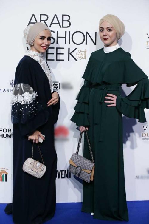 Minh Hằng đeo kim cương 20 tỷ đồng đẹp 'bất phân thắng bại' trên thảm đỏ Arab Fashion Week-7
