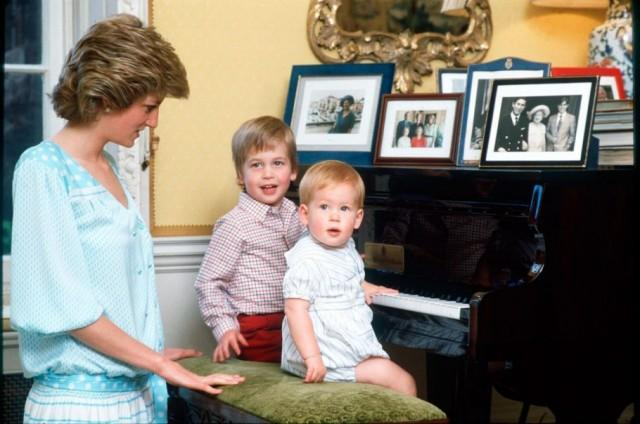 Có lần Hoàng tử Harry bệnh nặng phải nhập viện, hành động của Công nương Diana đã khiến nhiều người bất ngờ-3