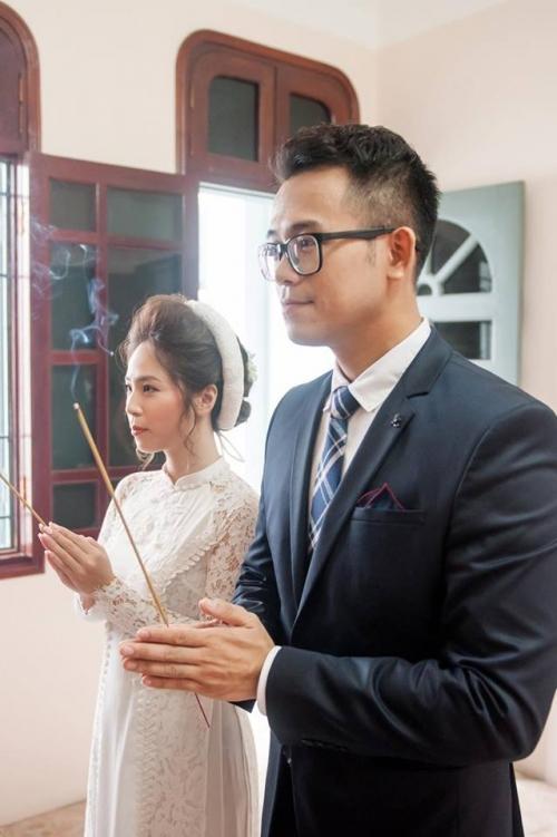 MC Đức Bảo của Cà phê sáng bất ngờ làm lễ đính hôn cùng cô dâu tương lai xinh đẹp-3