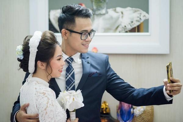 MC Đức Bảo của Cà phê sáng bất ngờ làm lễ đính hôn cùng cô dâu tương lai xinh đẹp-2