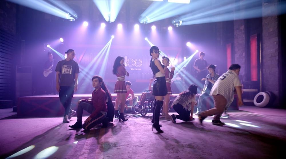 Cư dân mạng chê Glee hát Không cảm xúc của Hồ Quang Hiếu như cãi nhau-4