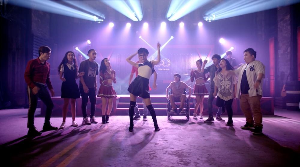 Cư dân mạng chê Glee hát Không cảm xúc của Hồ Quang Hiếu như cãi nhau-5