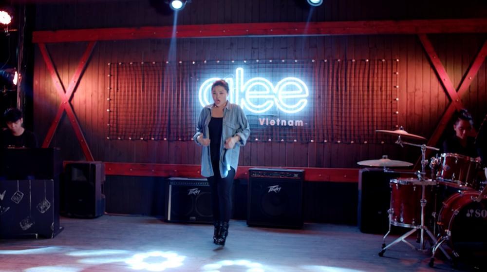 Cư dân mạng chê Glee hát Không cảm xúc của Hồ Quang Hiếu như cãi nhau-6