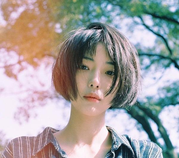 Cô bạn Hàn Quốc tóc ngắn xinh như bước ra từ tiểu thuyết-1