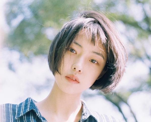 Cô bạn Hàn Quốc tóc ngắn xinh như bước ra từ tiểu thuyết-2