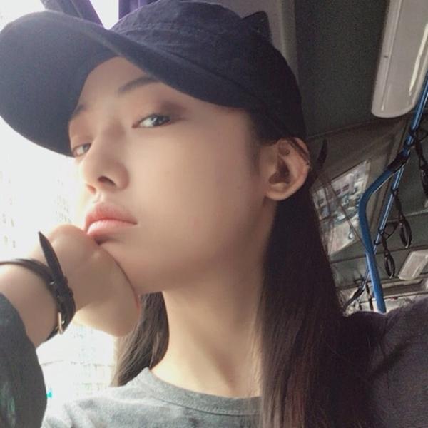 Cô bạn Hàn Quốc tóc ngắn xinh như bước ra từ tiểu thuyết-5