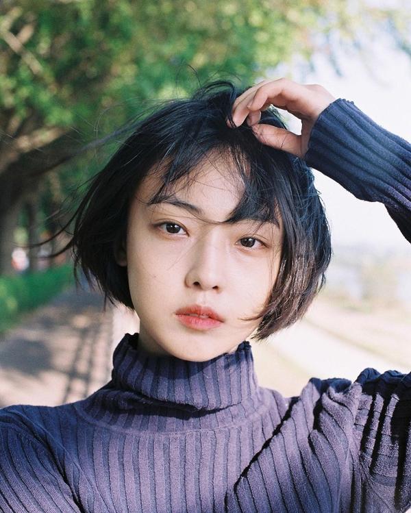 Cô bạn Hàn Quốc tóc ngắn xinh như bước ra từ tiểu thuyết-10