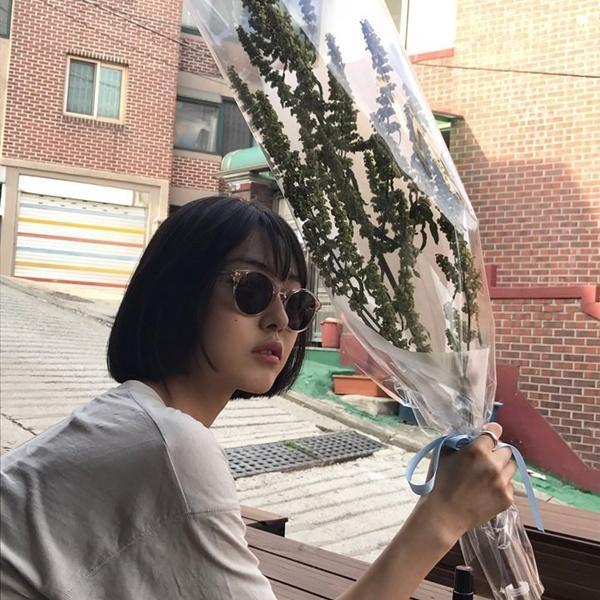 Cô bạn Hàn Quốc tóc ngắn xinh như bước ra từ tiểu thuyết-11