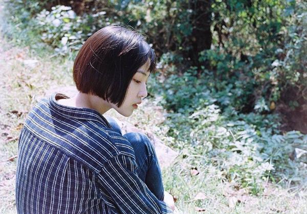 Cô bạn Hàn Quốc tóc ngắn xinh như bước ra từ tiểu thuyết-12