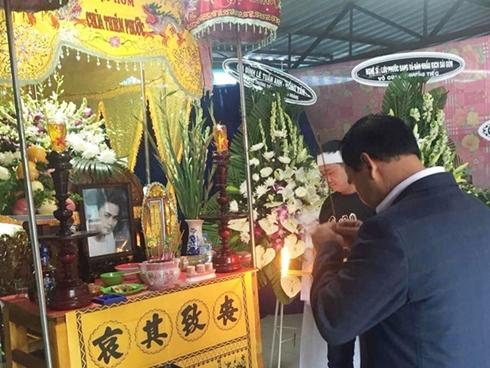 Quyền Linh, Lê Tuấn Anh về Long An viếng Nguyễn Hoàng