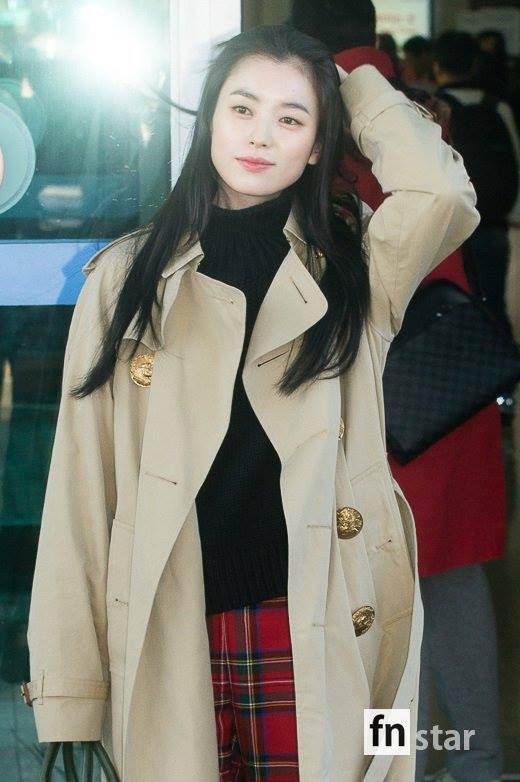 Sải bước ở sân bay, mỹ nhân cười đẹp nhất xứ Hàn Han Hyo Joo tỏa sáng như chụp ảnh tạp chí-4