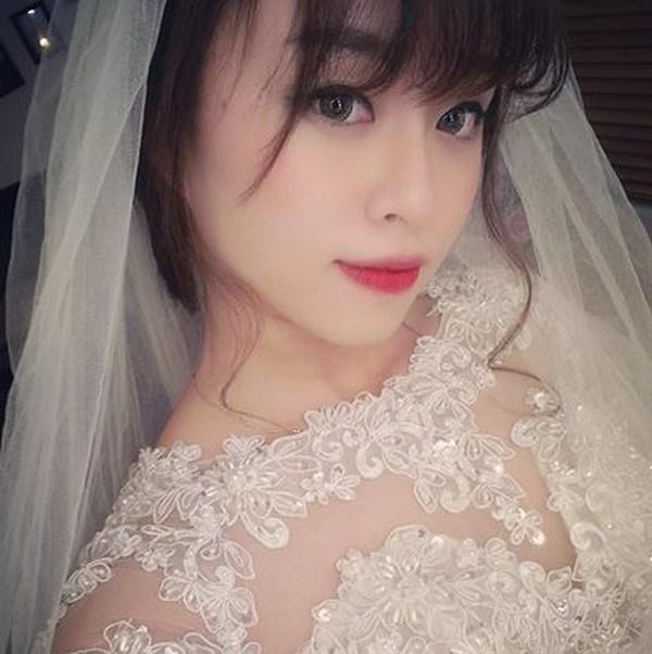 Lên mạng nhờ tư vấn có nên đi ăn cưới người cũ, cô gái trẻ được khuyên photo công chứng tiền mừng cho ngầu-3