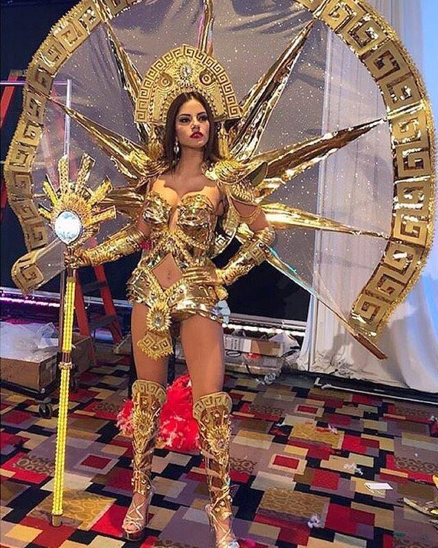 Nguyễn Thị Loan tỏa sáng khi trình diễn quốc phục tại Miss Universe 2017-5