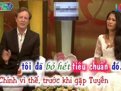 Phát sốt với anh chồng Tây tâm lý, nói tiếng Việt 'siêu' giỏi khiến vợ bật khóc ngay trên sân khấu