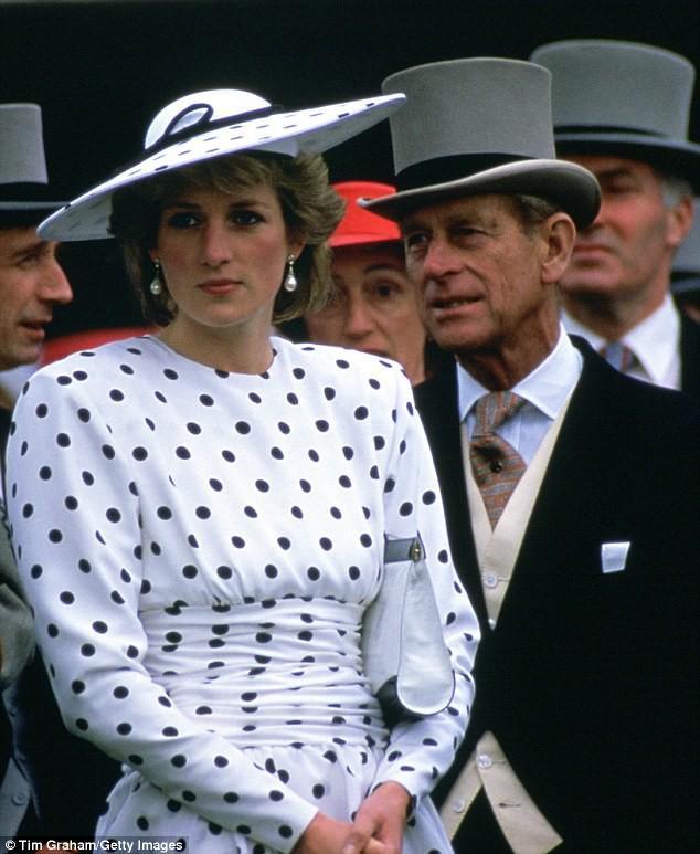 Nổi tiếng là hòa hợp, nhưng ít ai ngờ vợ chồng Nữ hoàng Anh từng đối chọi nhau vì cuộc hôn nhân của Công nương Diana-3