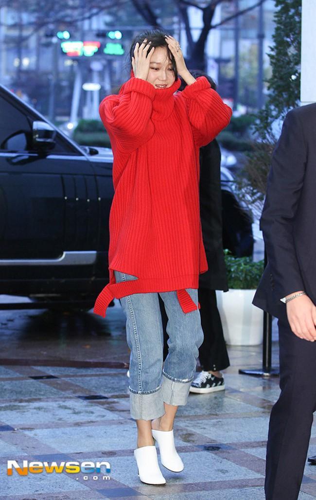 Đôi ngả đường tình, Lee Min Ho - Suzy vẫn diện street style ăn ý đẹp bất chấp-1