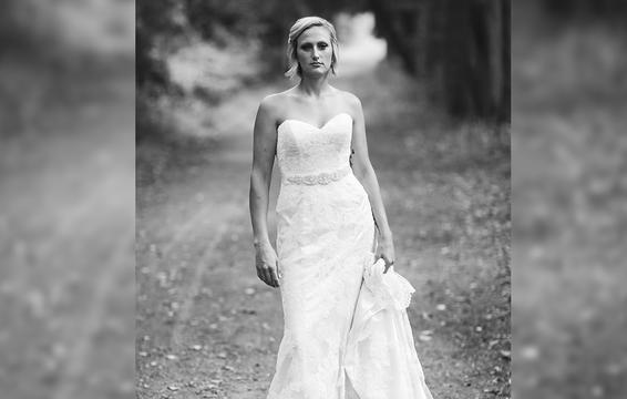 Câu chuyện đau lòng phía sau bộ ảnh cưới chỉ một mình cô dâu-4