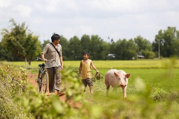 Ông bố nông dân Lương Mạnh Hải la hét hoảng loạn khi bị cua kẹp-11