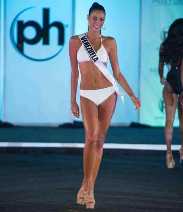 Người đẹp Miss Universe diện bikini khoe đường cong tuyệt mỹ, fan lo lắng cho Nguyễn Thị Loan-1