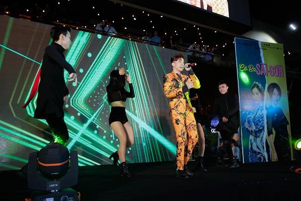 365 bất ngờ tái hợp diễn lại hit triệu view trong đại nhạc hội của Cô Ba Sài Gòn-3