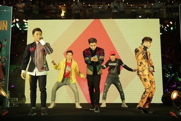 365 bất ngờ tái hợp diễn lại hit triệu view trong đại nhạc hội của Cô Ba Sài Gòn-7