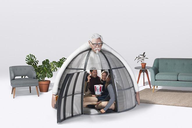 Lều trốn tránh Internet kì lạ giá 10.000 USD của KFC-1