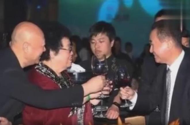 Vợ chồng Đường Tăng khiến tỷ phú giàu nhất châu Á phải kính nể-1