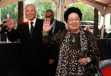 Vợ chồng Đường Tăng khiến tỷ phú giàu nhất châu Á phải kính nể-2