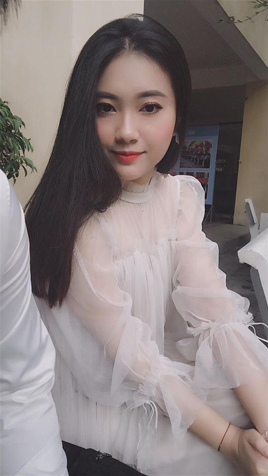 Hot girl - hot boy Việt 22/11: Hé lộ ảnh Châu Bùi cười quên trời đất thời nhất quỷ nhì ma-10