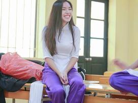 Hot girl - hot boy Việt 22/11: Hé lộ ảnh Châu Bùi cười 'quên' trời đất thời 'nhất quỷ nhì ma'