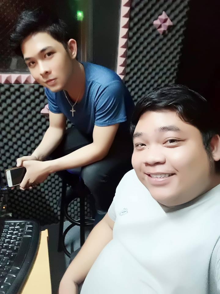 Hai chàng trai gây bão khi cover nhạc trữ tình ngọt lịm, chứng minh là fan cứng Quang Lê - Phi Nhung-1