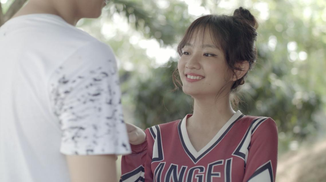 Glee: Chia tay Angela Phương Trinh chưa bao lâu, Rocker Nguyễn đã hôn Cindy V-4