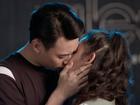 'Glee': Chia tay Angela Phương Trinh chưa bao lâu, Rocker Nguyễn đã hôn Cindy V