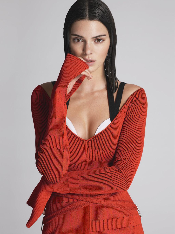 Kendall Jenner trở thành siêu mẫu có thu nhập cao nhất trên thế giới-1