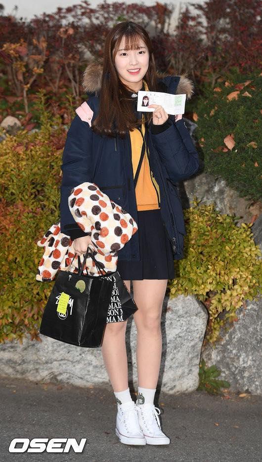 Loạt sao Hàn dự thi đại học: Tiểu Jeon Ji Hyun nổi bật với nhan sắc xinh đẹp-4