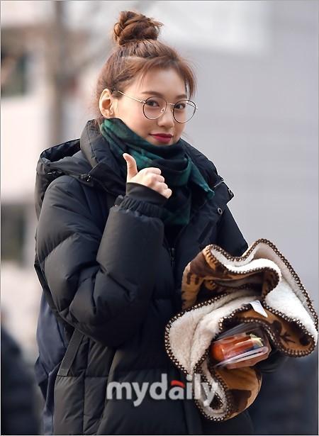 Loạt sao Hàn dự thi đại học: Tiểu Jeon Ji Hyun nổi bật với nhan sắc xinh đẹp-1