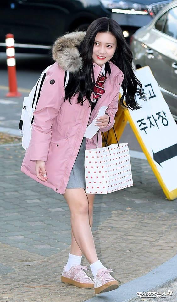 Loạt sao Hàn dự thi đại học: Tiểu Jeon Ji Hyun nổi bật với nhan sắc xinh đẹp-9